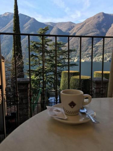 Lake Como Breakfast